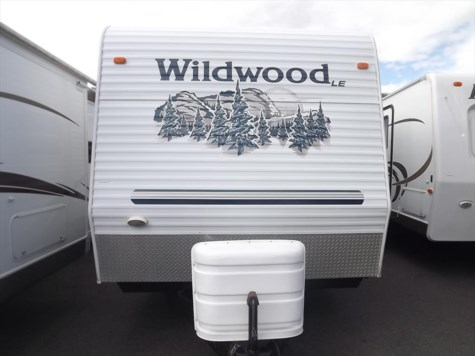 2005 Forest River Wildwood  30BHSS
