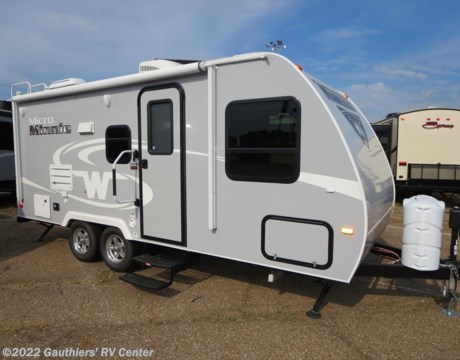 Amazing RBB13805  2017 Winnebago Micro Minnie 2106FBS For Sale
