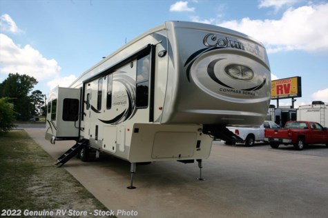 New 2018 Palomino Columbus 377MBC For Sale by Genuine RV Store available in Nacogdoches, Texas