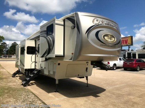 New 2018 Palomino Columbus Compass 386FKC For Sale by Genuine RV Store available in Nacogdoches, Texas