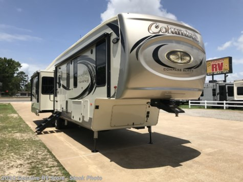 New 2019 Palomino Columbus 378MBC For Sale by Genuine RV Store available in Nacogdoches, Texas
