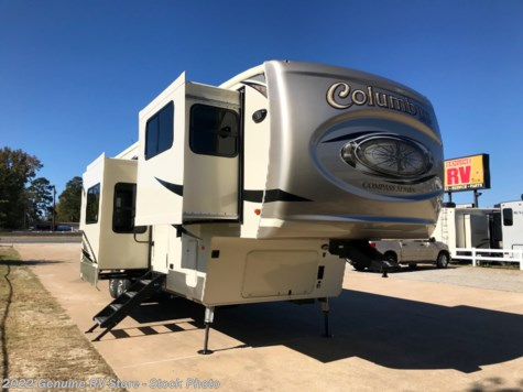 New 2019 Palomino Columbus 389FLC For Sale by Genuine RV Store available in Nacogdoches, Texas