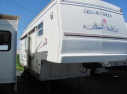 Used 2001  Forest River Cedar Creek 32RKS by Forest River from Delmarva RV Center in Seaford in Seaford, DE