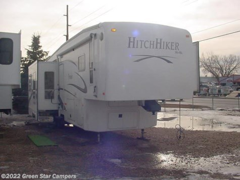2006 Nu-Wa Hitchhiker Premier  34LKTG Rear Living Room Triple Glide