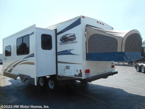 2014 Coachmen Freedom Express  22 DSX