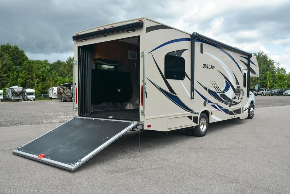 2017 Thor Motor Coach RV Outlaw 29H for Sale in Winter ...