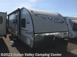 Used 2014  Coachmen Shasta 265DB by Coachmen from Indian Valley Camping Center in Souderton, PA