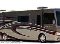 Used 2015  Thor Motor Coach Palazzo 33.3 by Thor Motor Coach from Ancira RV in Boerne, TX