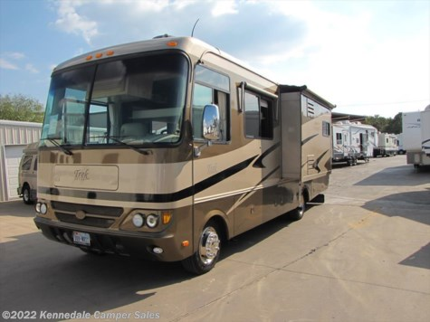 2005 Safari Trek  29 RBD Workhorse 30'
