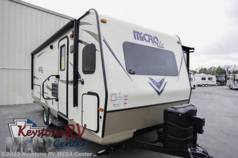 2017 Forest River Flagstaff Micro Lite  25FKS