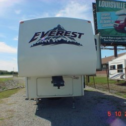 2006 Keystone Everest 364Q  - Fifth Wheel Used  in Louisville KY For Sale by Louisville RV Center call 502-966-0911 today for more info.
