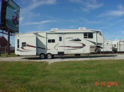 Used 2006  Keystone Everest 364Q by Keystone from Louisville RV Center in Louisville, KY