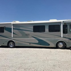 Used 2004 Beaver Monterey Seacliff For Sale by Louisville RV Center available in Louisville, Kentucky