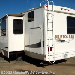 Marshall's RV Centers, Inc. 2009 Bristol Bay 3420 BH  Fifth Wheel by SunnyBrook | Kemp, Texas