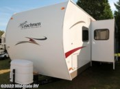 Used 2009  Coachmen Spirit of America 29QBS by Coachmen from Mid-State RV Center in Byron, Georgia
