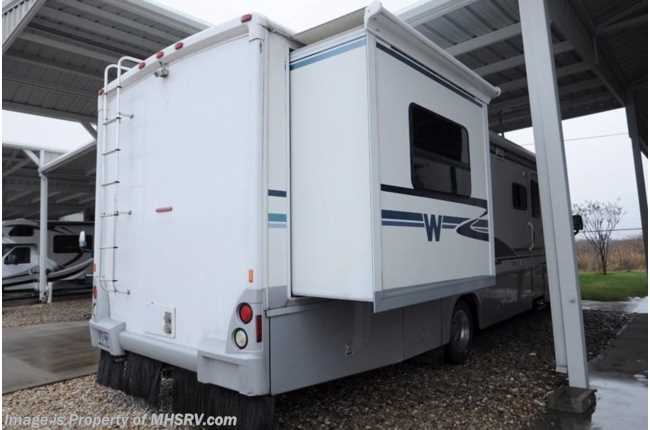Beautiful Used 2006 Winnebago Journey