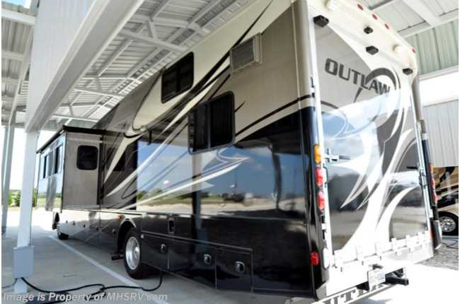 Used 2014 Thor Motor Coach Outlaw