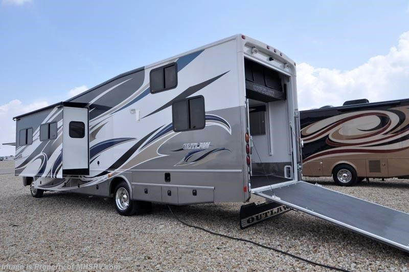 2012 thor motor coach rv outlaw 3611 toy hauler rv for for Motorized toy hauler rv for sale
