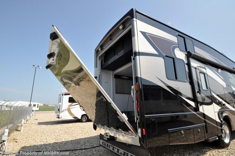 2013 thor motor coach rv outlaw class a toy hauler rv for for Thor motor coach outlaw for sale