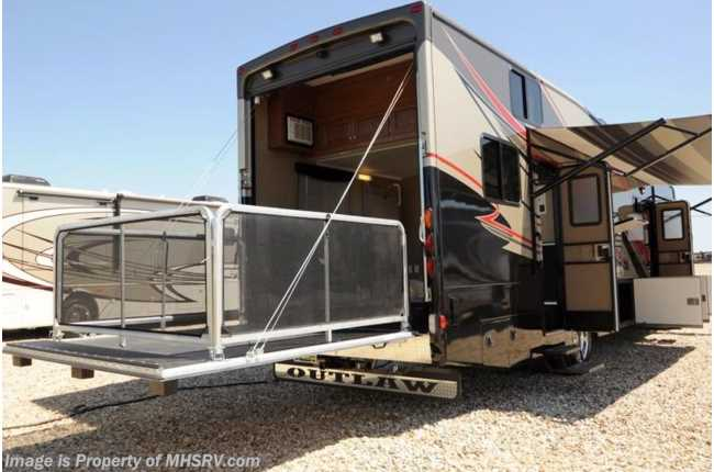 New 2014 thor motor coach outlaw for Motorized toy hauler rv for sale