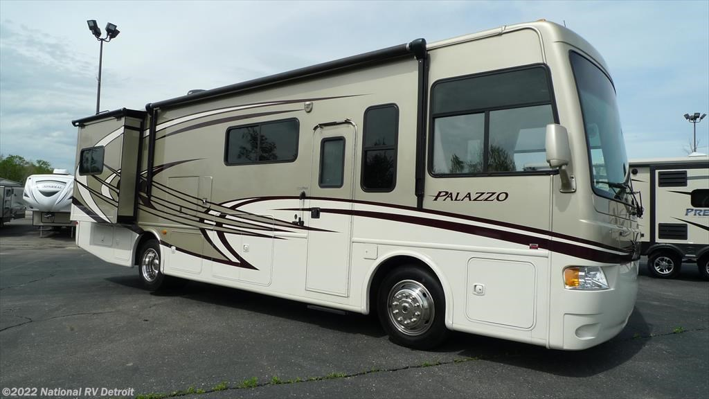 Luxury 2017 Fleetwood Bounder 36y  Camping World Of Omaha  1324748