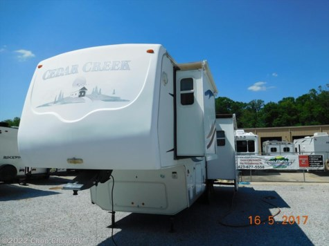 2004 Forest River Cedar Creek  30RLDS