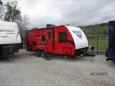New 2019 Winnebago Micro Minnie 2106FBS For Sale by Choo Choo RV available in Chattanooga, Tennessee