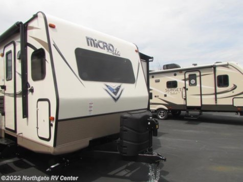 New 2018 Forest River Flagstaff Micro Lite 25FKS For Sale by Northgate RV Center available in Louisville, Tennessee