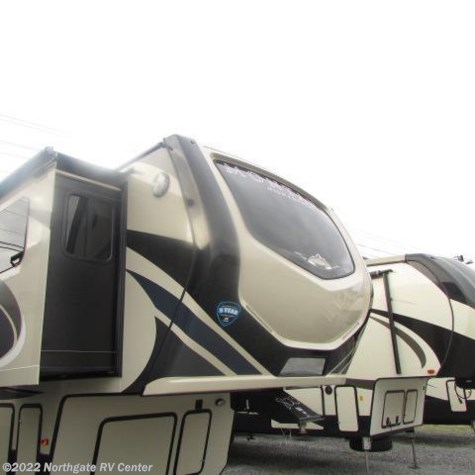 New 2018 Keystone Montana High Country 375FL For Sale by Northgate RV Center available in Louisville, Tennessee