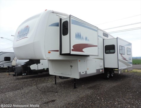 2006 Forest River Cardinal  30LE