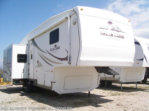 2005 Forest River Cedar Creek  33LCDTS