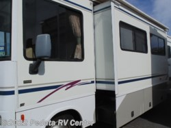 2003 Winnebago Sightseer 30B w/1sld