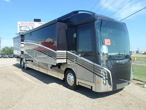 2017 Winnebago Grand Tour  WKR45RL