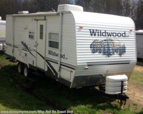 2006 Forest River Wildwood  25FB
