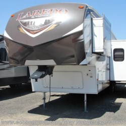2014 Keystone Laredo 293SBH  - Fifth Wheel Used  in Mechanicsville MD For Sale by Economy RVs call 800-226-0226 today for more info.