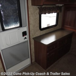 2011 Keystone Cougar XLite 28FLV  - Travel Trailer Used  in Montgomery City MO For Sale by Cuno Pick-Up Coach & Trailer Sales call 800-281-2160 today for more info.