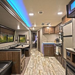 COLUMBUS CAMPER & MARINE CENTER 2019 Zinger 285RL  Travel Trailer by CrossRoads | Columbus, Georgia