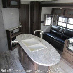2019 CrossRoads Zinger 330BH  - Travel Trailer New  in Columbus GA For Sale by COLUMBUS CAMPER & MARINE CENTER call 706-309-1767 today for more info.