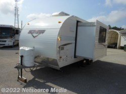 2016 Sunset Park RV SunRay 199 with slide