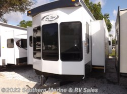 New 2016  Hy-Line  42 IKEB by Hy-Line from Park Model City & RV Sales in Ft. Myers, FL