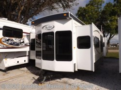 New 2016  Hy-Line  32' by Hy-Line from Park Model City & RV Sales in Ft. Myers, FL