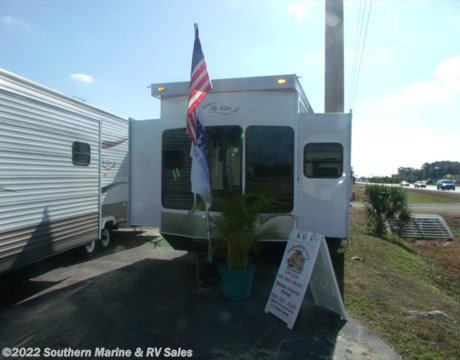 6640 2017 Hy Line 42CG1PA for sale in Ft Myers FL