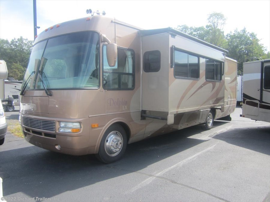 2005 National RV Dolphin LX 6355