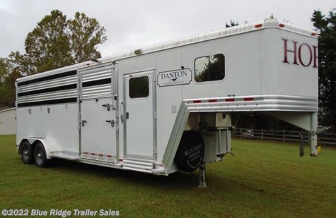 Used 2010 Dream Coach 2+1 GN w/Dress 8'x7' For Sale by Blue Ridge Trailer Sales available in Ruckersville, Virginia