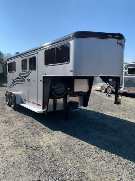 "Used 2017 Hawk Trailers Excellent Condition 2H GN w/Dress 7'6""x6'8\"" For Sale by Blue Ridge Trailer Sales available in Ruckersville, Virginia"