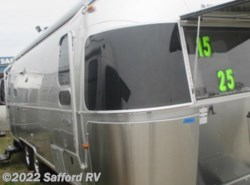 Used 2015  Airstream Flying Cloud 25FB by Airstream from Safford RV in Thornburg, VA