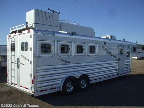 2017 Platinum Coach Outlaw  4 horse 10' SW Outlaw Conversions