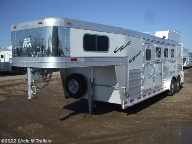 2018 Platinum Coach 4HGN w/ 4' SW Dressing Room