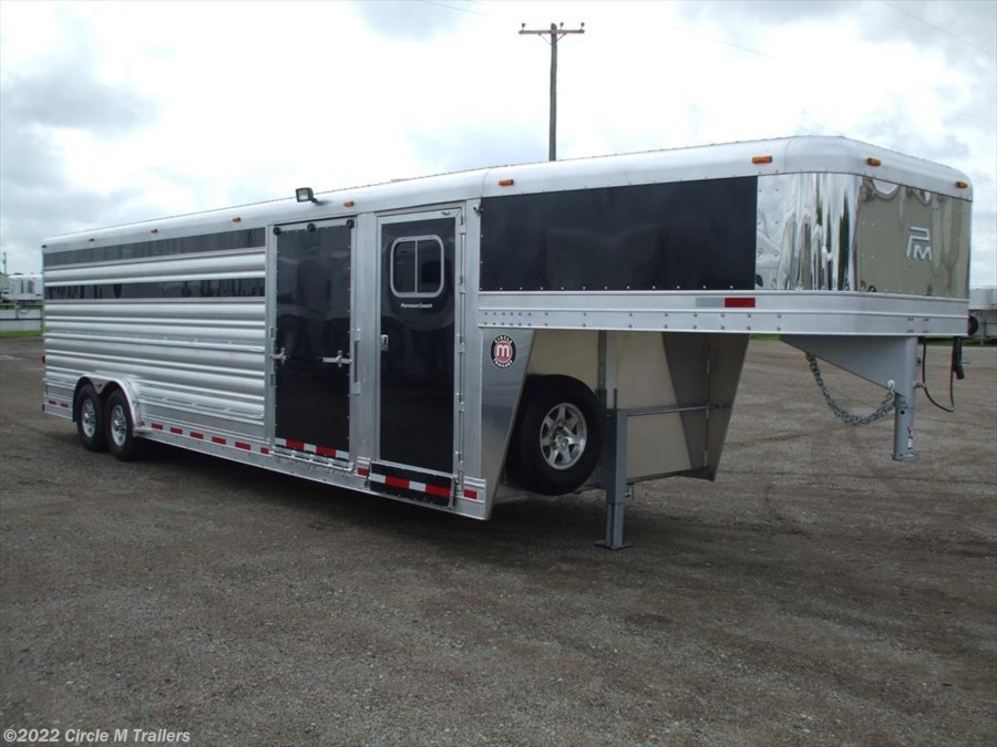 2017 Platinum Coach 28' Show Cattle Slider in Gates + Dressing Room