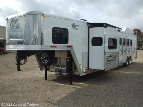 2016 Merhow Verylite  4 Horse 15' Shortwall SIDE LOAD SLIDE OUT